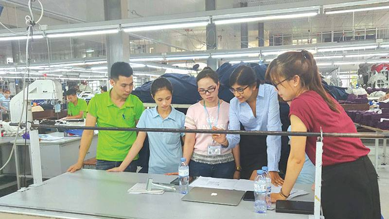 IntelloCut training at Song Hong factory