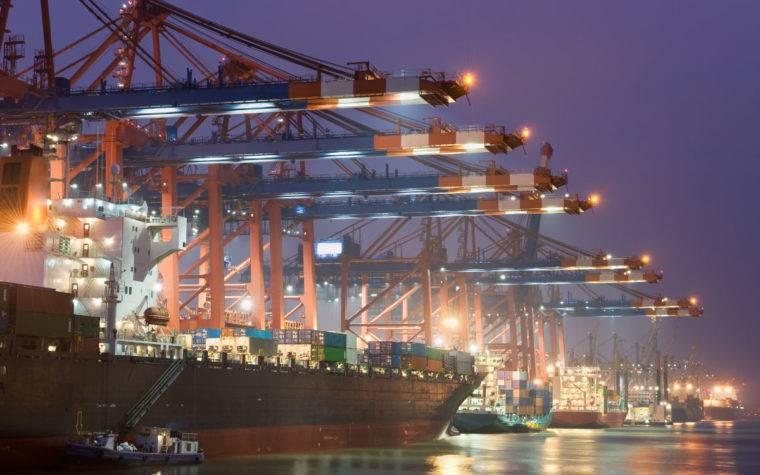 Eurogate tại bến cảng Hamburg ở Đức